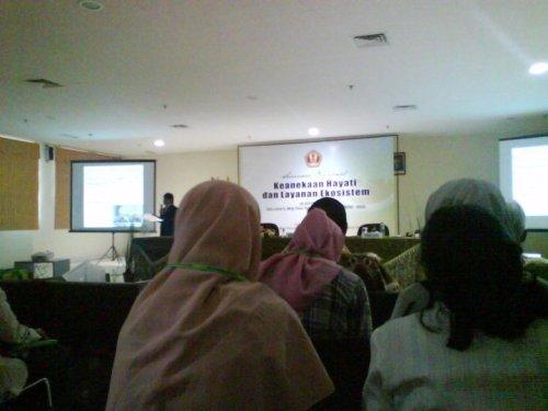 PLT: Partisipasi Pada Seminar Nasional Biologi di UNPAD Bandung