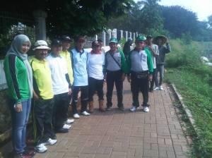 Gerakan Bersih Situ Gintung FST UIN bersama BLHD Tangerang Selatan