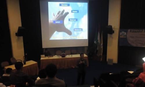 Workshop pengembangan pegawai Fakultas Sains Dan Teknologi
